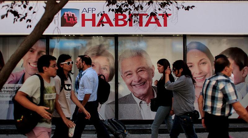 Cotizantes del sistema de AFP sufren caída histórica en abril debido al desempleo